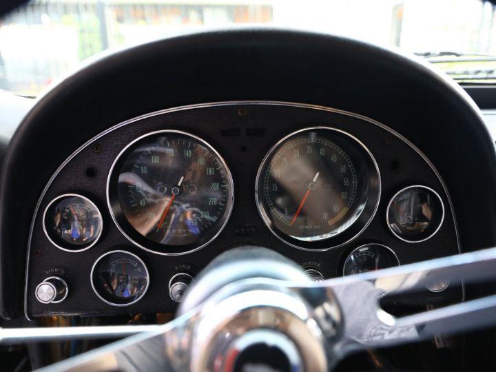 Chevrolet Corvette C2 CHEVROLET CORVETTE C2 STINGRAY COUPE 1965 350CI BOITE 4 Noir - 35