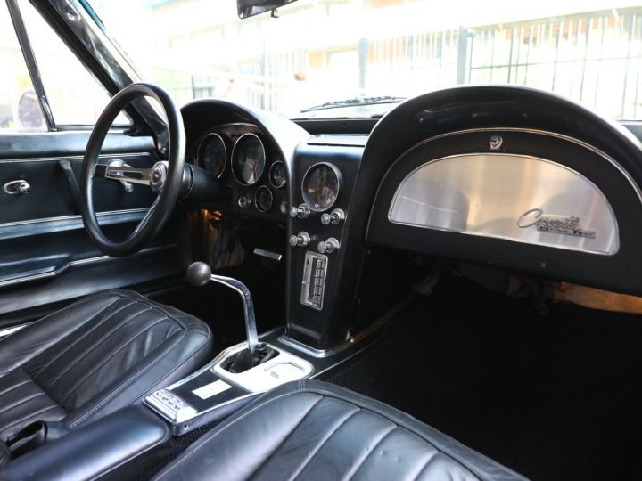 Chevrolet Corvette C2 CHEVROLET CORVETTE C2 STINGRAY COUPE 1965 350CI BOITE 4 Noir - 43