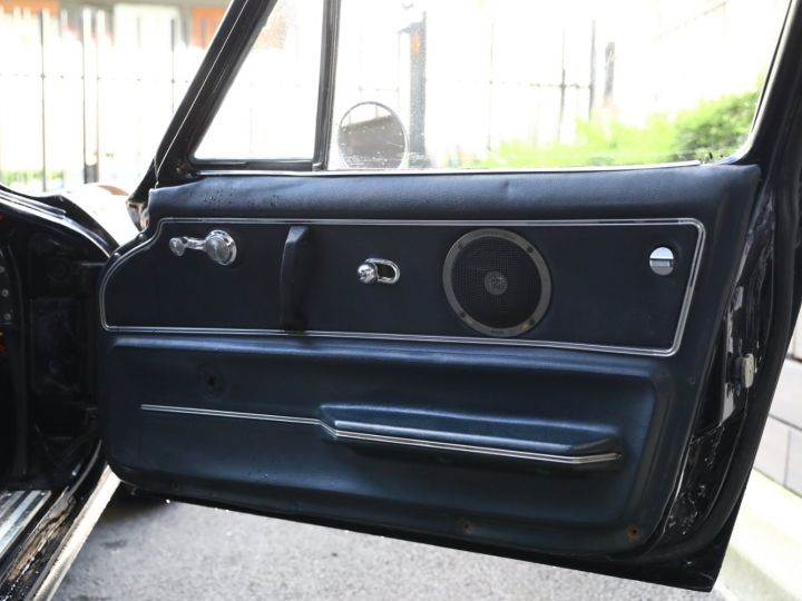 Chevrolet Corvette C2 CHEVROLET CORVETTE C2 STINGRAY COUPE 1965 350CI BOITE 4 Noir - 46