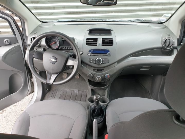 Chevrolet Spark 1.0 68 5 portes Gris Occasion - 5