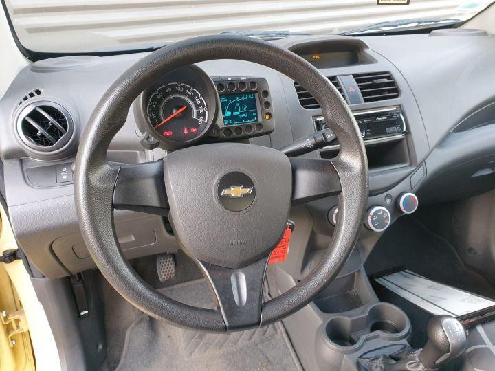 Chevrolet Spark 1.0 68 ls 5 portes i Jaune Occasion - 7