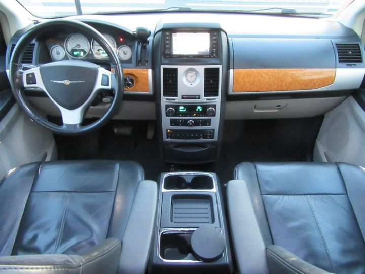 Chrysler GRAND VOYAGER 7 PLACES 2.8 CRD 20EME ANNIVERSAIRE BA Gris Fonce Occasion - 17