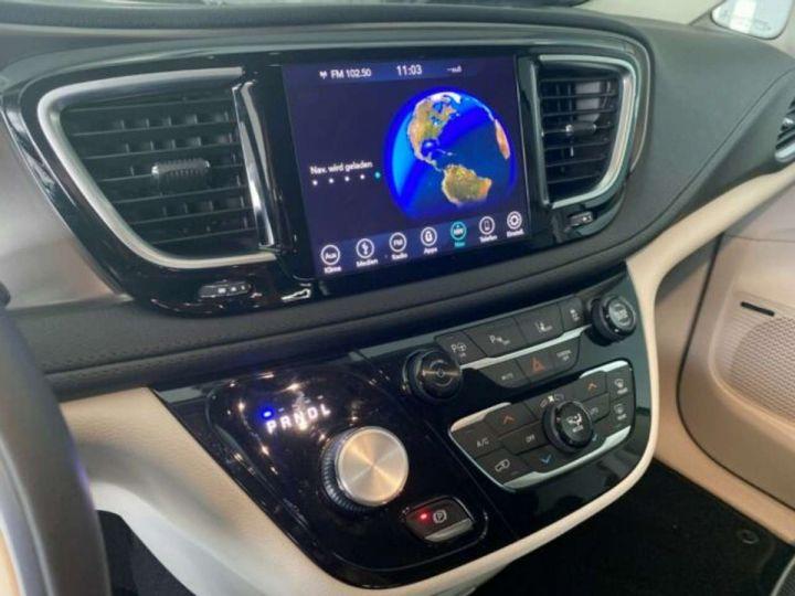 Chrysler Pacifica Hybride Platinum *3TV - Cuir - 7 Places - Toit pano* Homologué+Livré+Garantie 12 mois Noire - 5