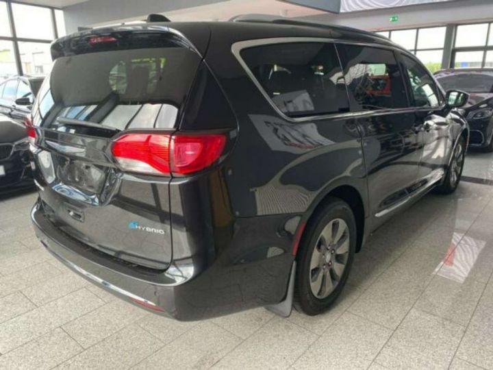 Chrysler Pacifica Hybride Platinum *3TV - Cuir - 7 Places - Toit pano* Homologué+Livré+Garantie 12 mois Noire - 11