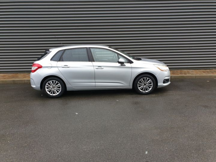 Citroen C4 ii 1.6 hdi 90 confort 5pts bv5 Gris Clair Occasion - 3