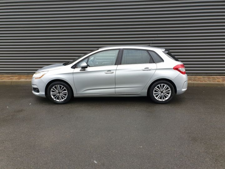 Citroen C4 ii 1.6 hdi 90 confort 5pts bv5 Gris Clair Occasion - 4
