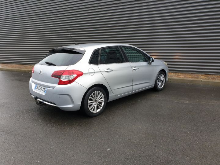 Citroen C4 ii 1.6 hdi 90 confort 5pts bv5 Gris Clair Occasion - 15