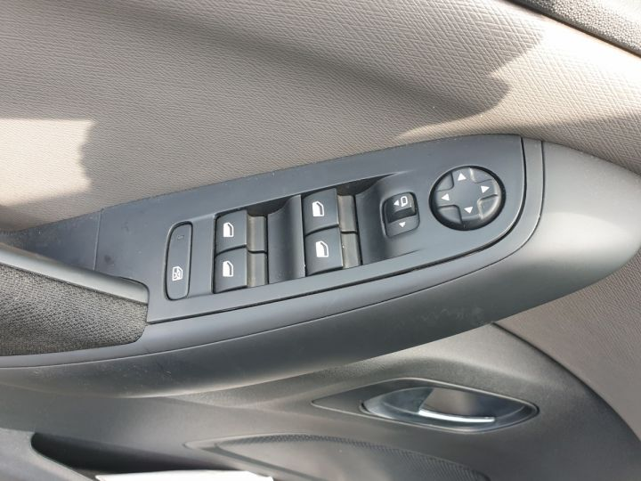 Citroen C4 Picasso 2 1.6hdi bluehdi 120 business s Gris Occasion - 12