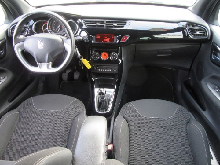 Citroen DS3 BLUEHDI 100CH SO CHIC GRIS CLAIR Occasion - 14