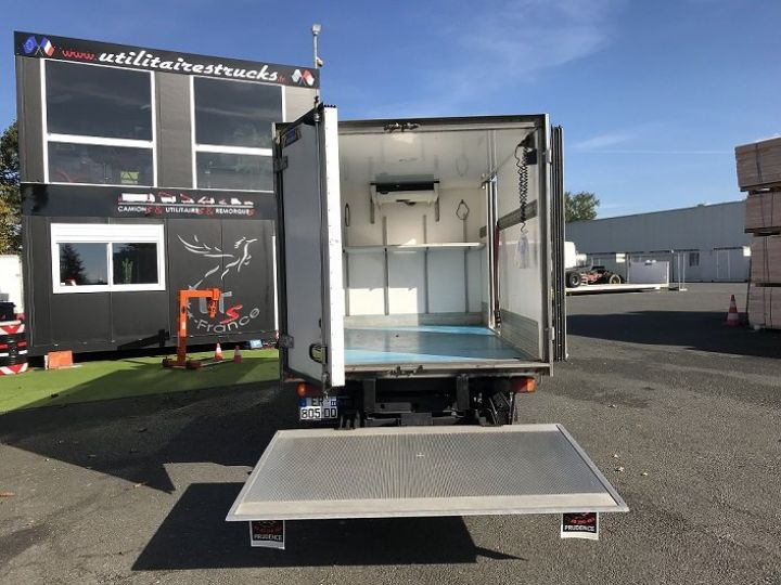 Commercial car Nissan Atleon Insulated box body  - 4