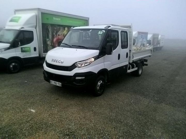 Commercial car Iveco Daily 35C13 D Empattement 3750 Tor - 23 900 HT Blanc - 1