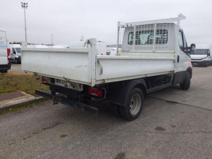 Commercial car Iveco Daily 35C13 Empattement 3450 Tor Blanc - 2
