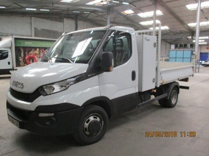 Commercial car Iveco Daily 35C13 Empattement 3750 Tor - 24 900 HT Blanc - 1