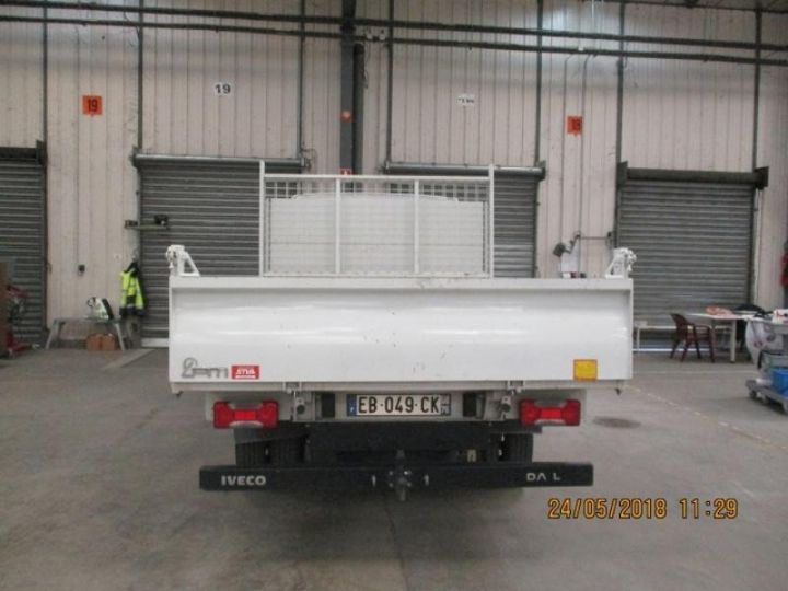 Commercial car Iveco Daily 35C13 Empattement 3750 Tor - 24 900 HT Blanc - 2