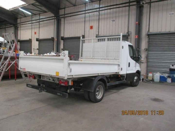 Commercial car Iveco Daily 35C13 Empattement 3750 Tor - 24 900 HT Blanc - 3