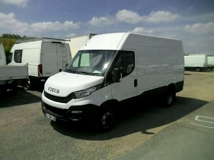 Commercial car Iveco Daily 35C13V12 Blanc - 1
