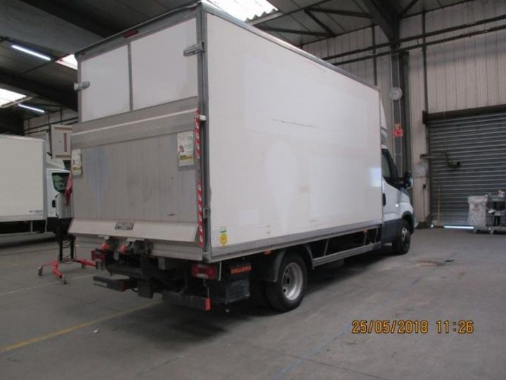 Commercial car Iveco Daily 35C15 Empattement 4100 Tor - 24 900 HT Blanc - 2