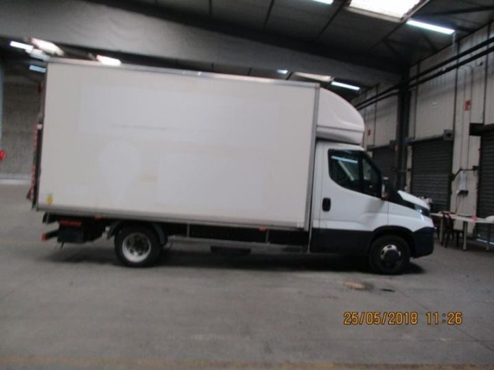 Commercial car Iveco Daily 35C15 Empattement 4100 Tor - 24 900 HT Blanc - 3