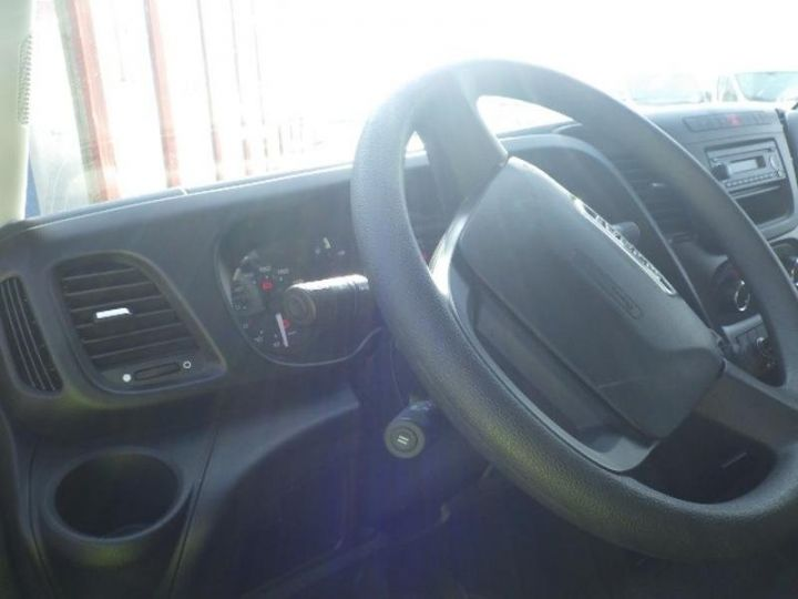 Commercial car Iveco Daily 35S13V16 - 17 900 HT Blanc - 5