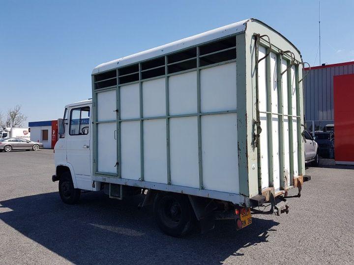 Commercial car Mercedes Vario Livestock body L 406 D BLANC - GRIS - 5