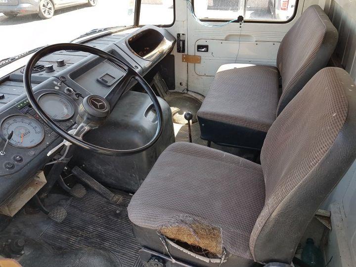 Commercial car Mercedes Vario Livestock body L 406 D BLANC - GRIS - 20