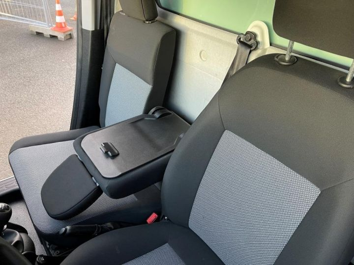 Commercial car Fiat Doblo Refrigerated body BLANC - 8