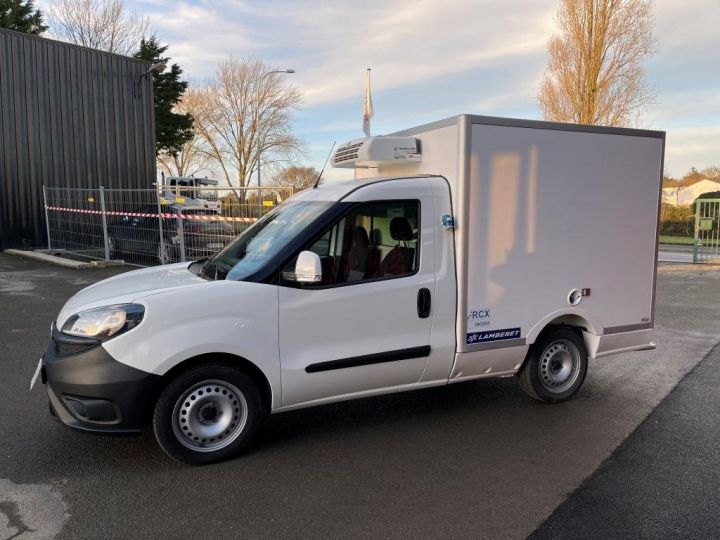 Commercial car Fiat Doblo Refrigerated body BLANC - 12