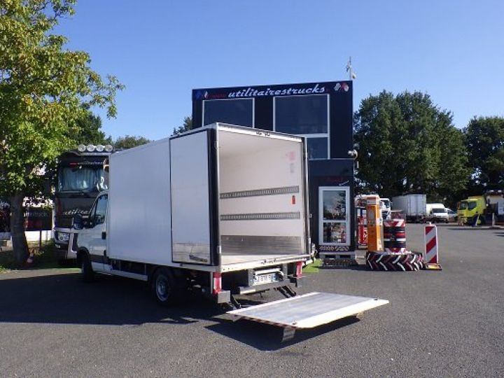 Commercial car Iveco Daily Refrigerated body Blanc - 1