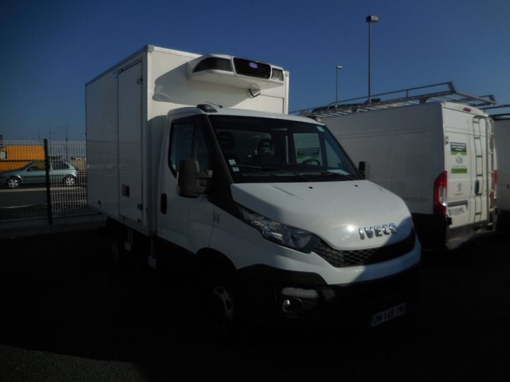 Commercial car Iveco Daily Refrigerated body 35c13  - 1