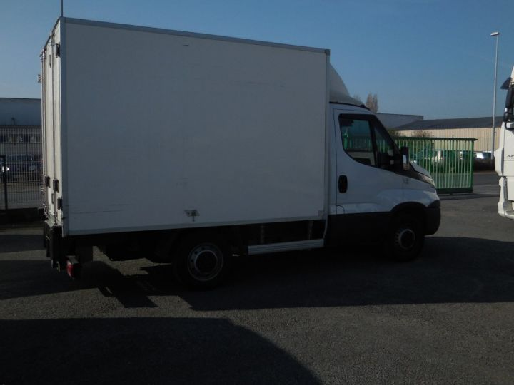 Commercial car Iveco Daily Refrigerated body 35S13  - 2