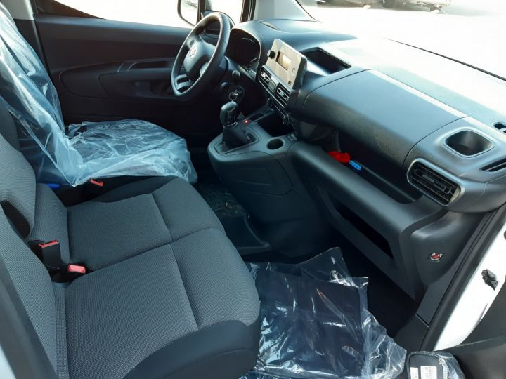Commercial car Toyota ProAce Steel panel van MEDIUM 1.5D 100CV DYNAMIC BLANC - 8