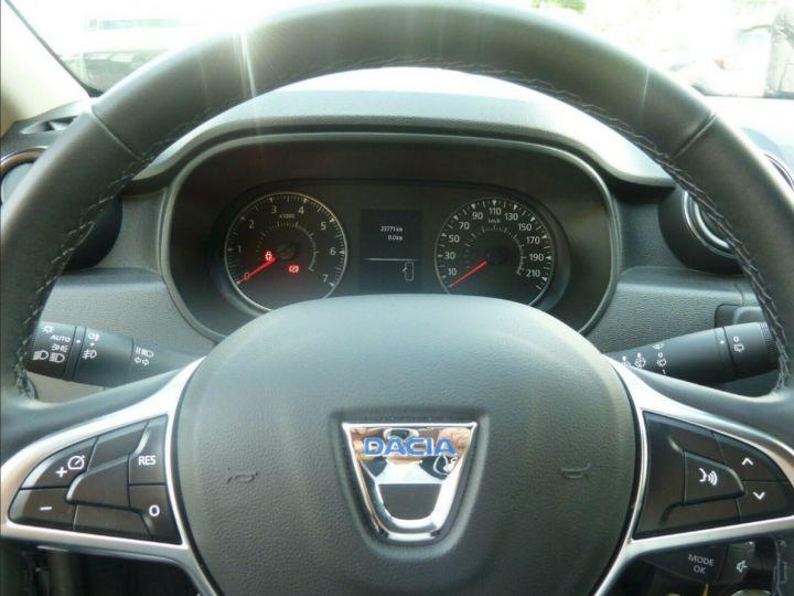 Dacia Duster 1.4 dci 110 Prestige , Automatique 04/2018 gris comète  métal - 10