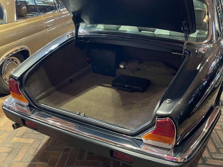 Daimler DOUBLE SIX Gris cendré métal - 11
