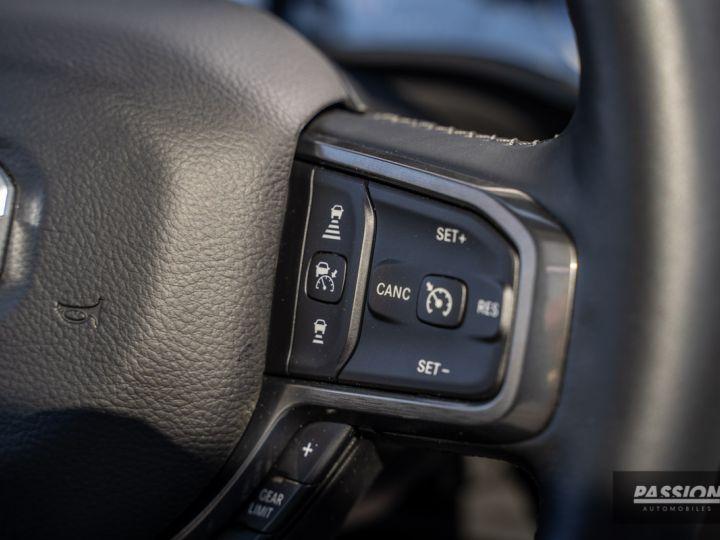Dodge Ram 2021 Limited Black Edition Diamond Black Crystal Pearl - 15