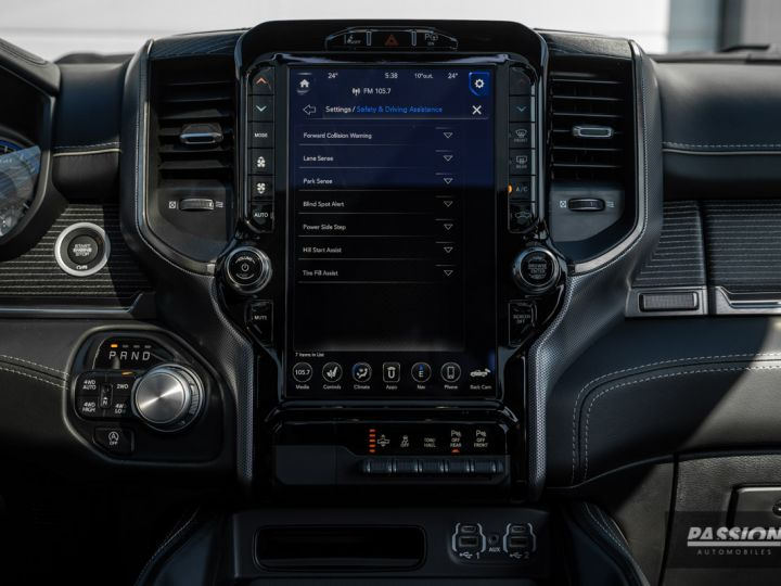 Dodge Ram 2021 Limited Black Edition Diamond Black Crystal Pearl - 27