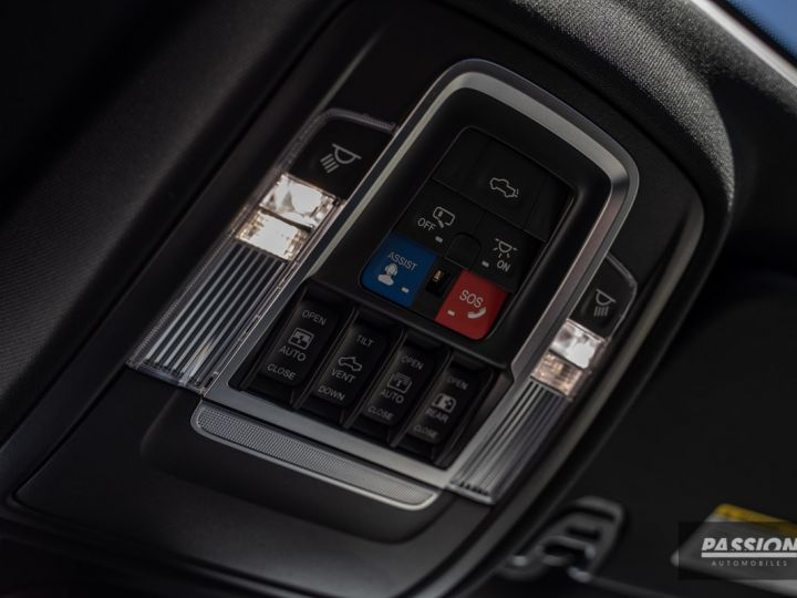 Dodge Ram 2021 Limited Black Edition Diamond Black Crystal Pearl - 28