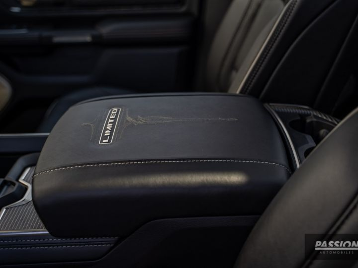 Dodge Ram 2021 Limited Black Edition Diamond Black Crystal Pearl - 29