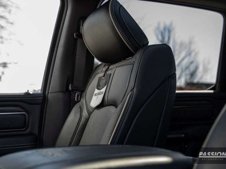 Dodge Ram 2021 Limited Black Edition Diamond Black Crystal Pearl - 30