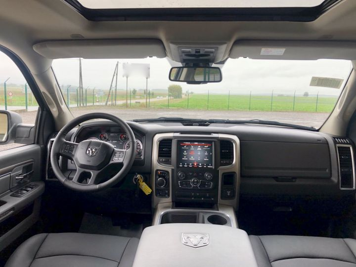 Dodge Ram CLASSIC PACK SLT PLUS CREW CAB Blanc Neuf - 6