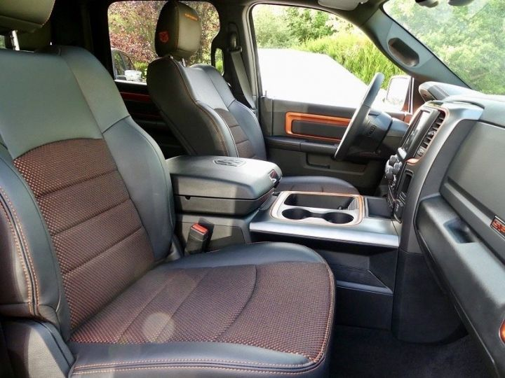 Dodge Ram Crew Cab Sport  COOPERHEAD Black Edition  4 places pas de TVS pas d'eco taxe etat proche du neuf cooperhead  Vendu - 9