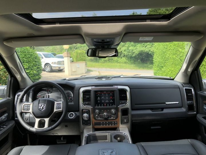 Dodge Ram CREW  LARAMIE SUSPENSION  2018 NEUF  CTTE plateau NOIR Neuf - 5
