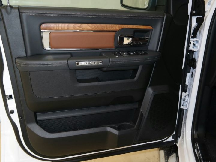 Dodge Ram Crew Longhorn Rambox Suspension Cgrise EG 4 Places CTTE/Plateau PAS TVS / PAS D'ECOTAXE Blanc Métal Neuf - 12