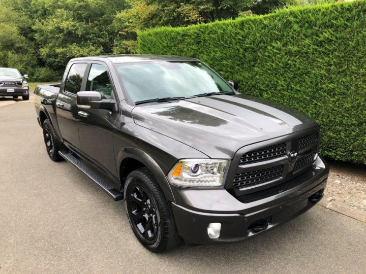 Dodge RAM CREW PACK BLACK EDITION SUSPENTION ACTIVE  GRIS Occasion - 1