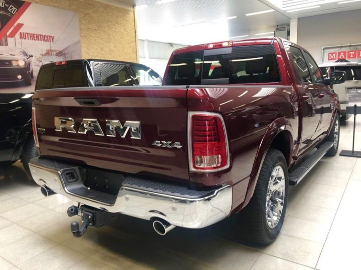 Dodge Ram Dodge RAM LARAMIE CLASSIC CREW CAB 2019 ROUGE Neuf - 3