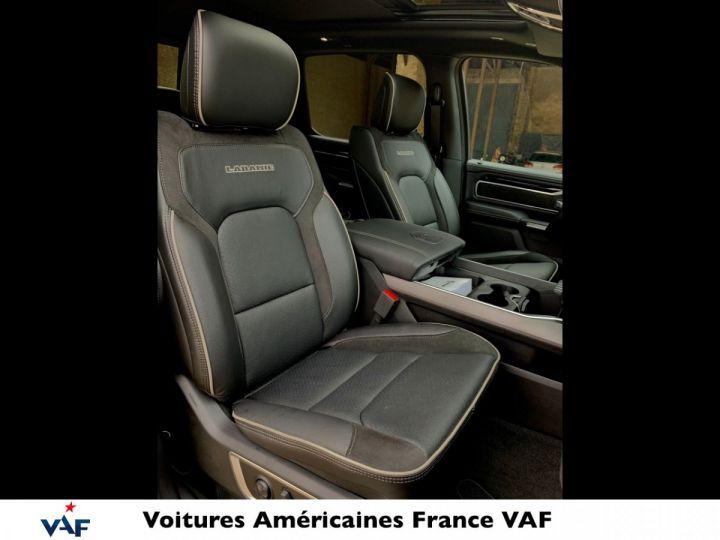 Dodge Ram LARAMIE NIGHT EDITION Suspension/Régulateur Adaptatif/Grand Écran - PAS D'ÉCOTAXE/PAS TVS/TVA RECUP EN STOCK Granit Crystal / Pack Night Edition Neuf - 12