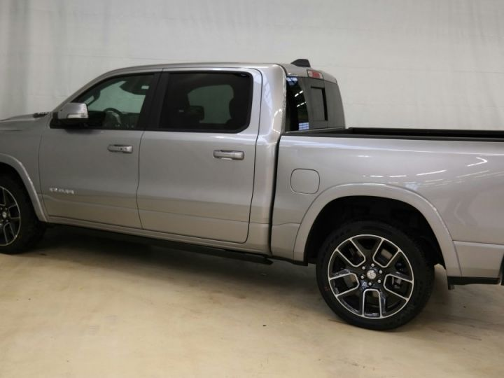Dodge Ram Laramie Sport Cew Cab Neuf Pas d'écotaxe / Pas de tvs Gris acier métallisé Neuf - 4