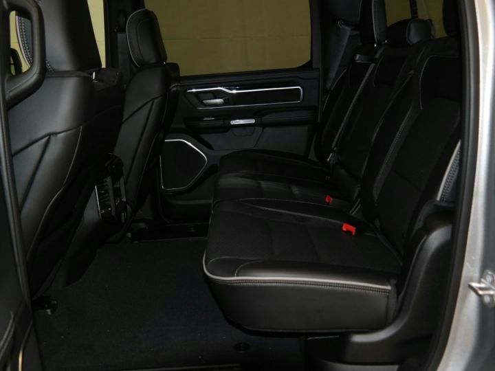 Dodge Ram Laramie Sport Cew Cab Neuf Pas d'écotaxe / Pas de tvs Gris acier métallisé Neuf - 10