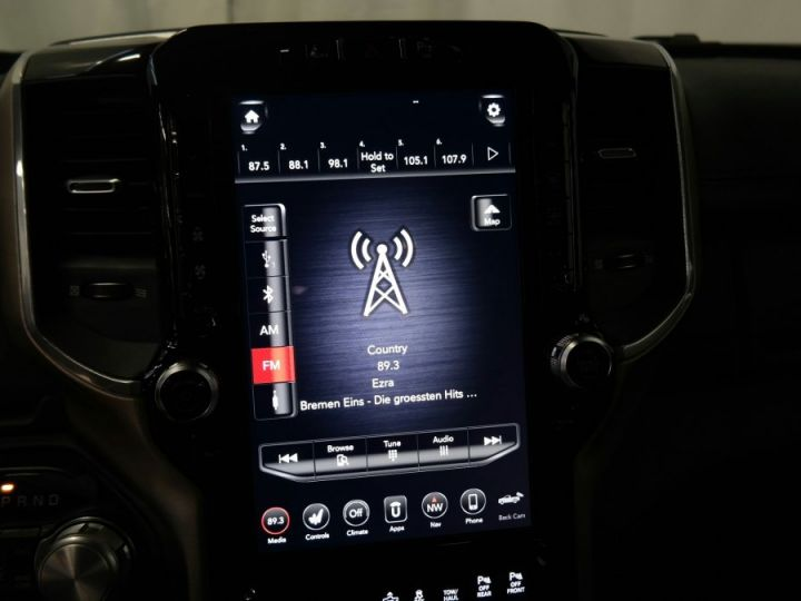 Dodge Ram Laramie Sport Cew Cab Neuf Pas d'écotaxe / Pas de tvs Gris acier métallisé Neuf - 12
