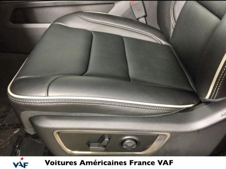 Dodge Ram LIMITED 2021 NIGHT EDITION MULTITAILGATE - PAS D'ÉCOTAXE/PAS TVS/TVA RECUP EN STOCK Ivory Métal / Pack Night Edition Neuf - 12