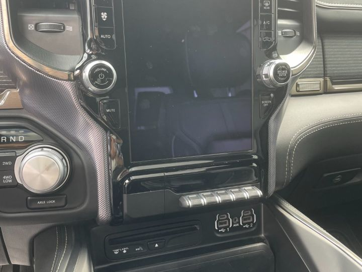Dodge Ram Limited V8 5,7L Noir - 12